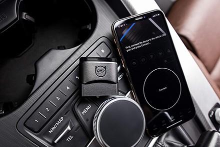 Automatikus diagnosztizálás a Bluetooth Phone OBDeleven Starter Pack csomagban